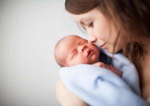 Csecsemőkori kihívások: bőrkiütések, ekcéma, székletproblémák és nyugtalanság